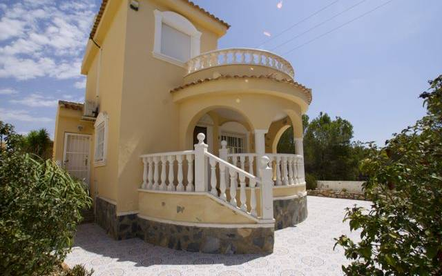 To Buy Resale Detached Villa in Quesada, Orihuela Costa