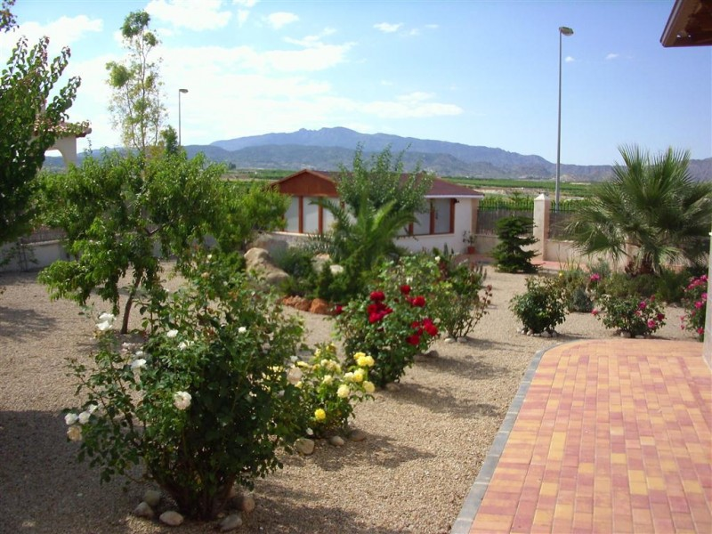 garden-detached-villa-for-sale-Murcia