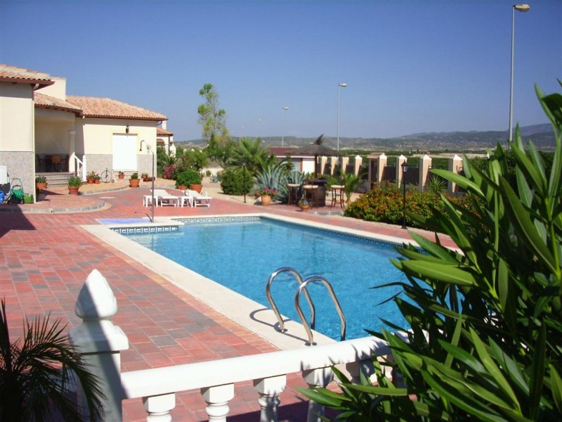swimming-pool-detached-villa-Murcia