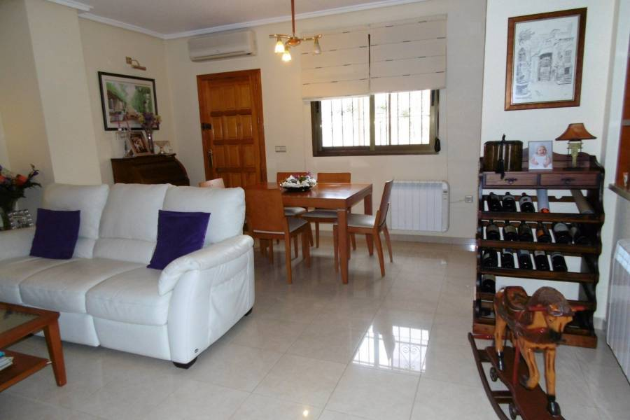 Resale - Apartment / Penthouse - Ciudad Quesada - Urbanización