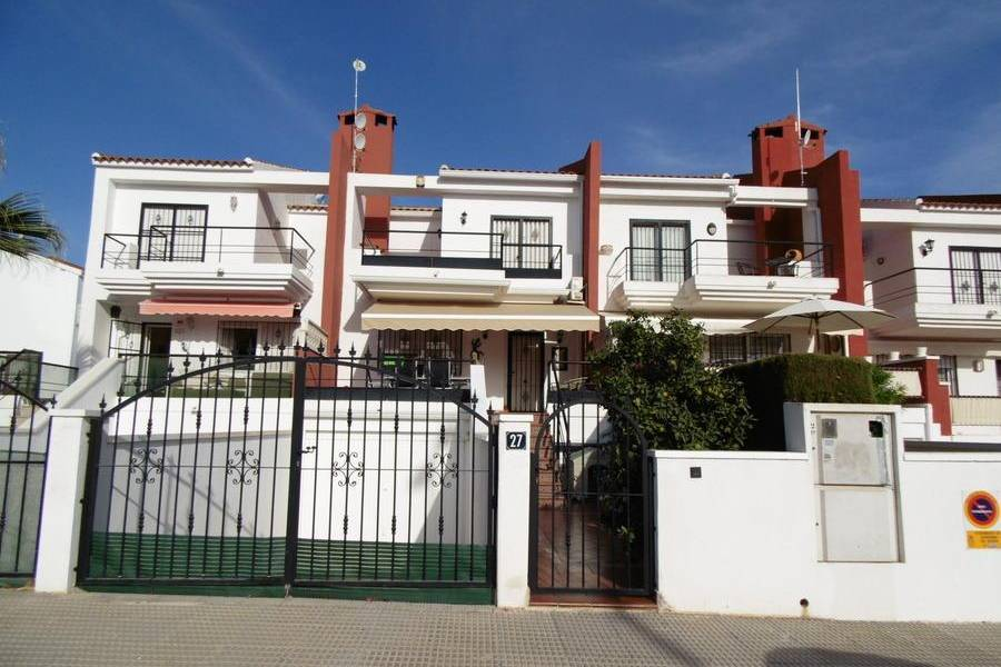 Reventa - Terraced house - Guardamar del Segura - Urbanización