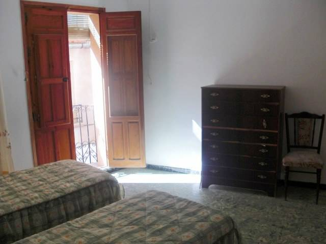 Resale - Townhouse - Abanilla