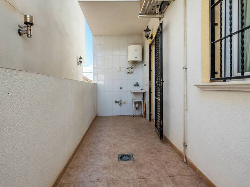 Resale - Apartment - Heradades