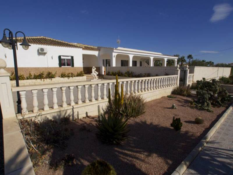 Resale - Finca / Country Property - Catral