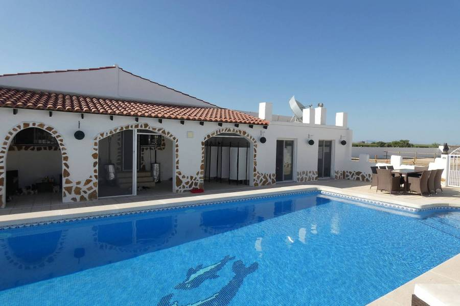 Reventa - Finca/Country Property - Dolores
