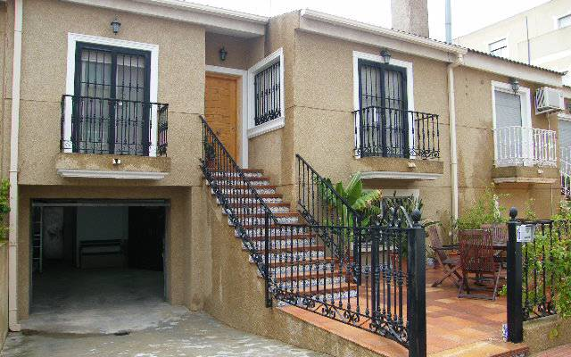 Townhouse - Resale - Daya Nueva - Central