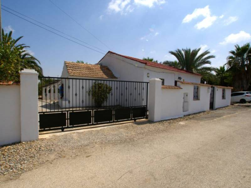 Resale - Finca / Country Property - Jacarilla
